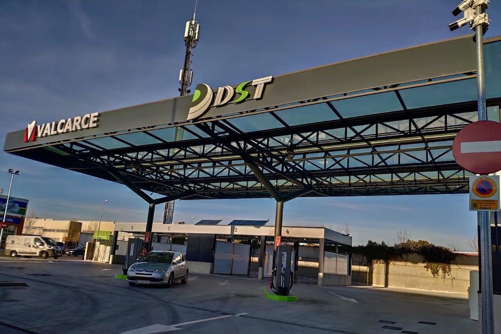 Estación de servicio DST Ávila